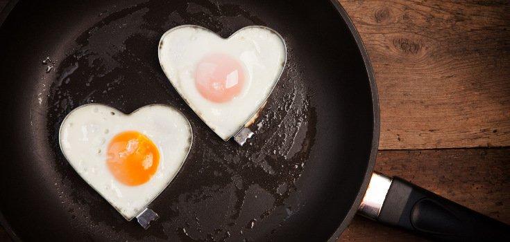 food_eggs_pan_735_350