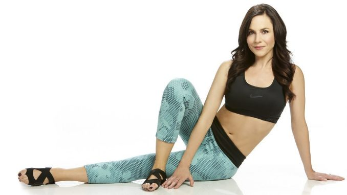 Fresh Amp Fit Julie Benz Natural Solutions Magazine