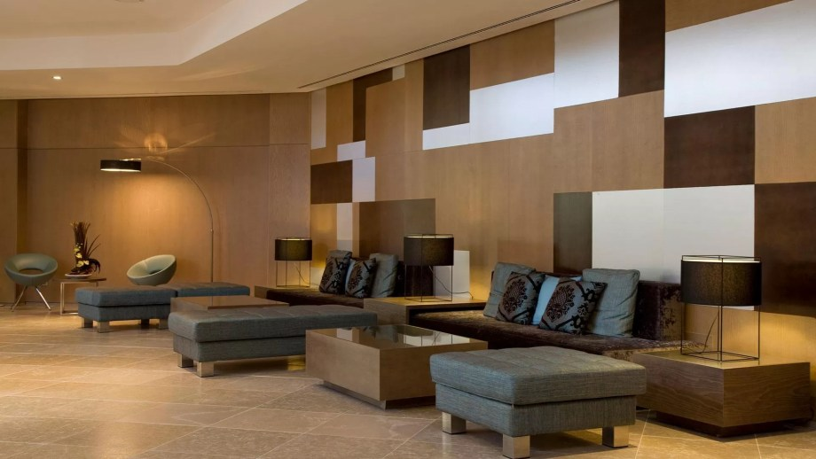 Hall de hotel de piedra natural