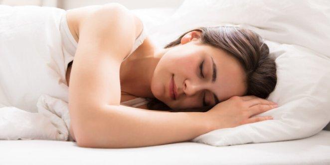 Cannabliss Labs CBD Hemp Oil Review PROMOTES HEALTHY SLEEP