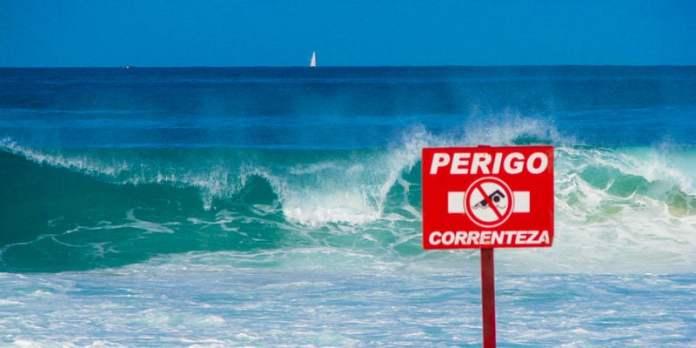 Segurança na praia - Respeite assinalizações foto