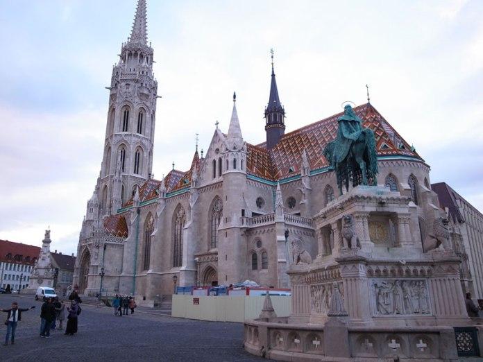 Igreja de Matias no inverno (Matthias Church) - Budapeste foto