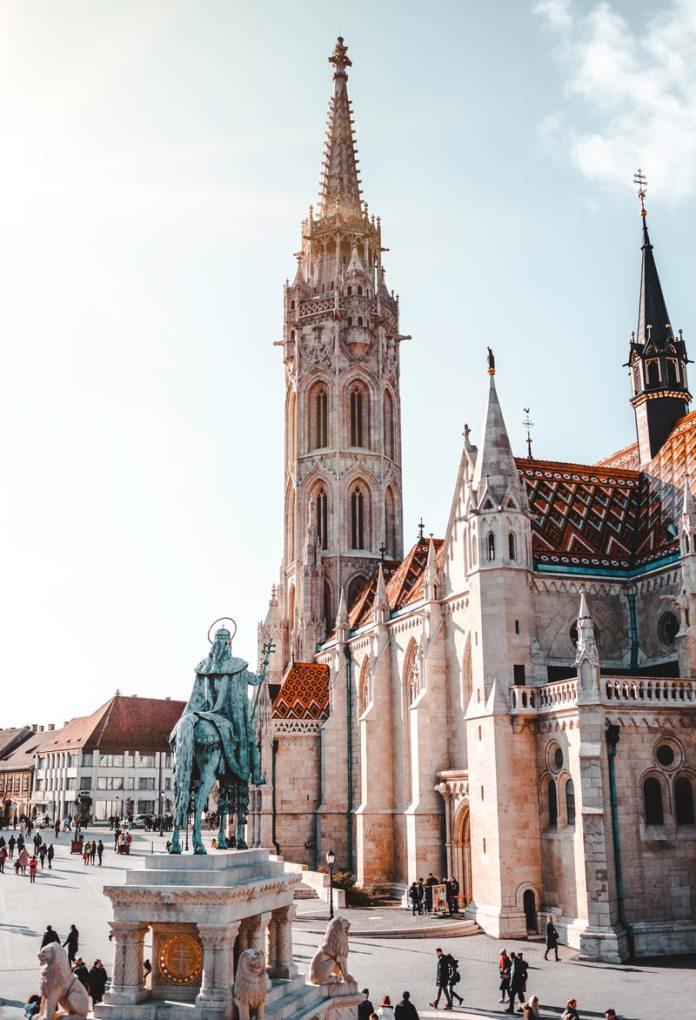 Igreja de Matias (Matthias Church) - Budapeste foto