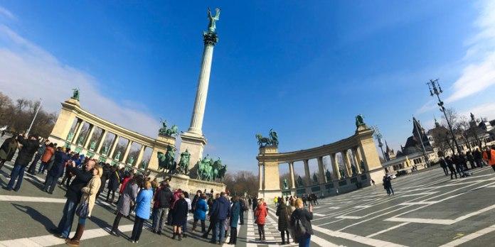 Caminhar pelas ruas de Budapeste foto
