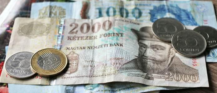 Moeda / Dinheiro em  Budapeste foto