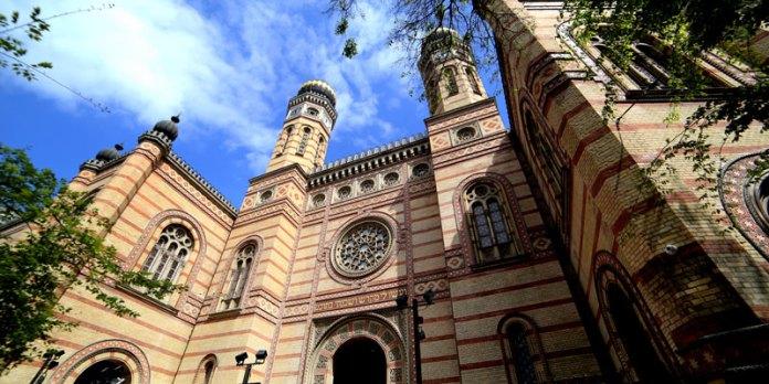 Grande Sinagona de Budapeste (Dohany Utcai Zsinagoga) foto