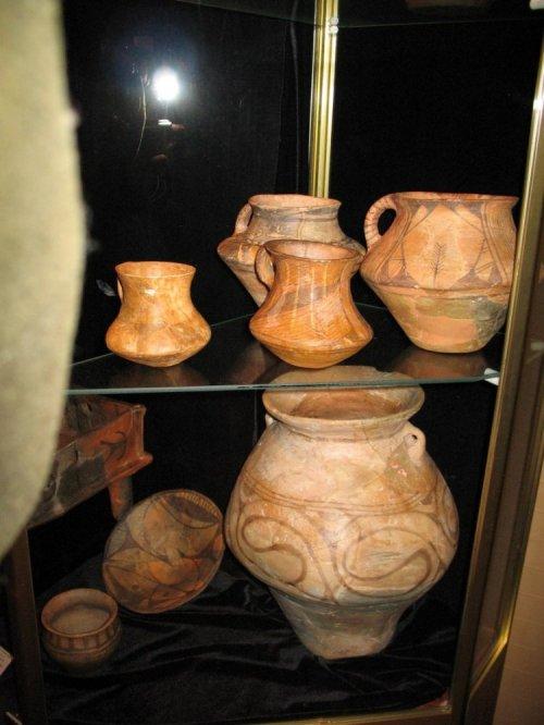Трипільський посуд з колекції «Платару»