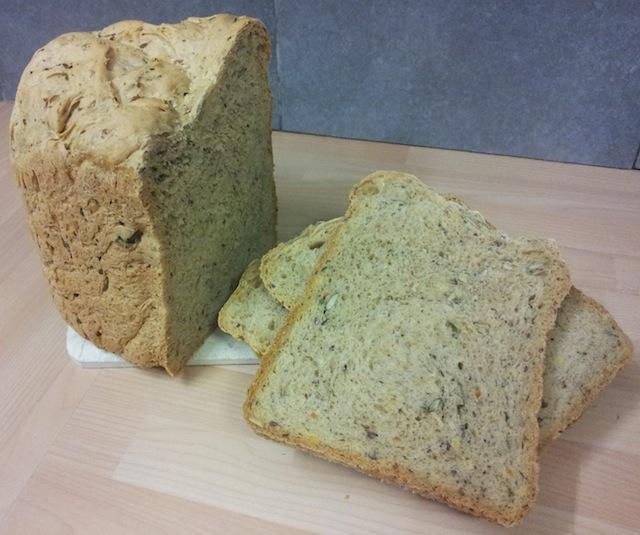découper son pain maison demande une certaine habitude