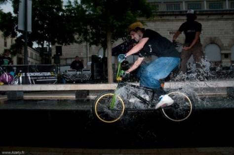 Petit splash grind lors de la semaine du BMX a Troyes en 2010