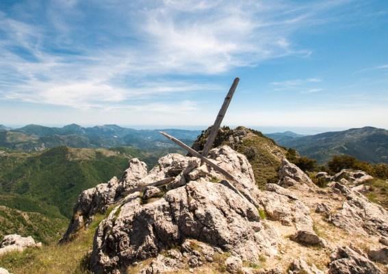 Croix sur la Cime de Roccassiera
