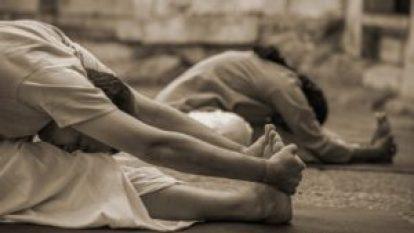 http-__s.isha.ws_blog_wp-content_uploads_2015_06_how-breath-evolves-hatha-yoga-practice-1e-1090x614