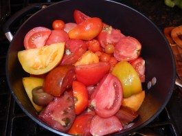 Cooking Simple Tomato Sauce