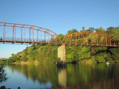 Fair Oaks, Fair Oaks Bridge, chickens, community, nature, ducks, Canda geese, wildlife, American River, American River Parkway, bicycle, walkers, trail, morning