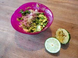idée recette saine pour femme enceinte : le guacamole à la coriandre et au citron vert