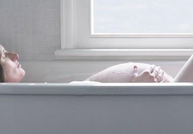 Bain chaud, hammam, sauna… dangereux pendant la grossesse ?