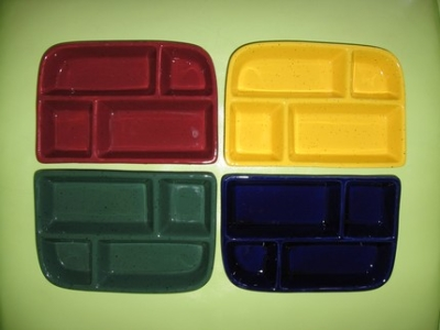 A reader recently emailed me and asked if I knew where she could find glass plates that were sectioned or ided kind of like a bento or a tv dinner tray. & Ceramic Glass Steel TV Dinner Trays and Divided Plates