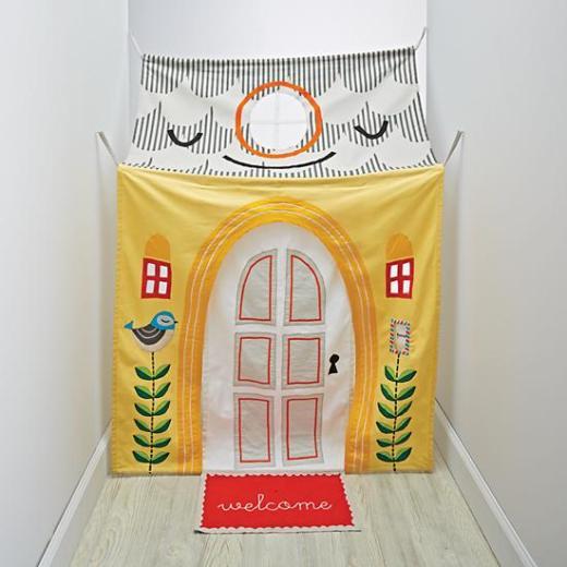 hanging-around-hallway-playhouse