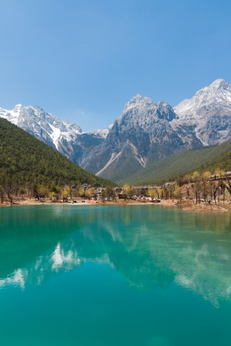 Lijiang_Yunnan_China-View-of-Jade-Dragon-Mountain-01