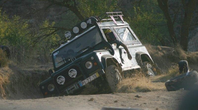 Land-Rover by TatankaIyotanka