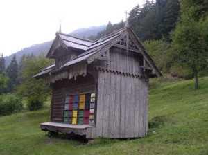 Slovenian bee house (c) Dave Larkin