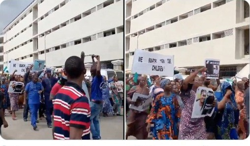 #EndSARS Protest Starts In Lagos As Old Women, Others Carry Placards