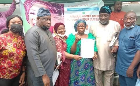 Iyaloja general accepts the grand patron of Asiwaju Ahmed Tinubu support group AATSG