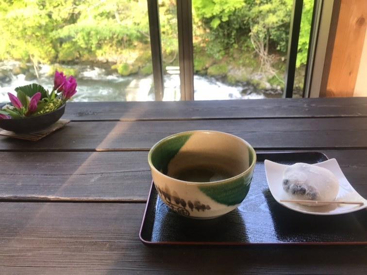 白糸の滝近くのお茶屋