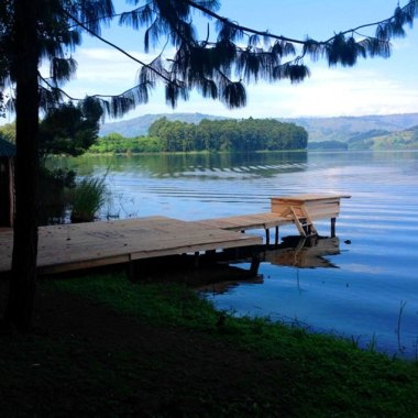 Resort-at-Lake-Bunyonyi