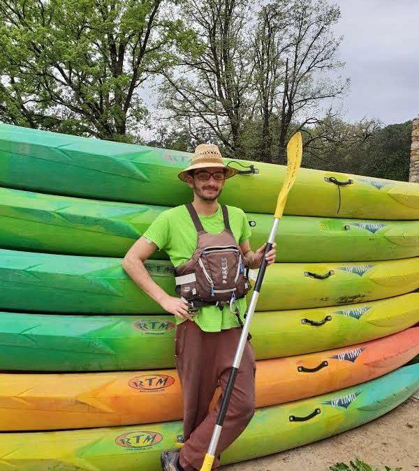 Un kayakiste chevronné pour vous encadrer
