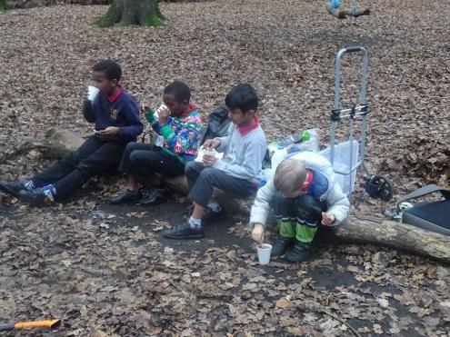 last-free-forest-school-activity-for-primary-school-children-on-streatham-common-lambeth-34