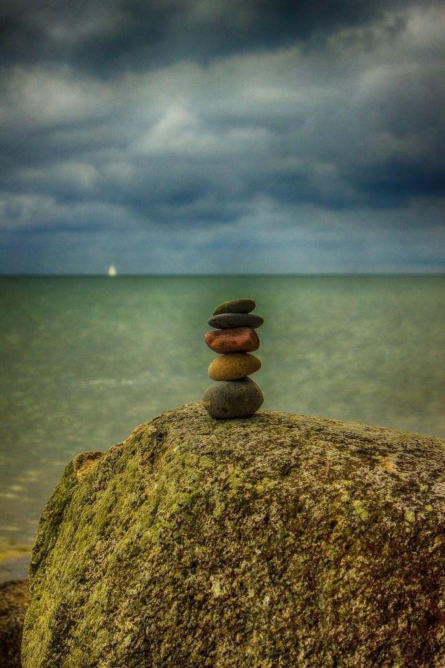 Steinskulptur am Strand von Jasmund