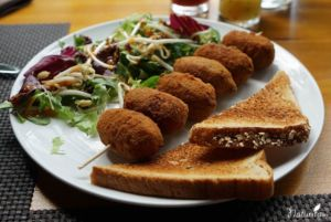 Vegane Kroketten in Let Me Take You - Déjate Llevar in Tejeda, Gran Canaria
