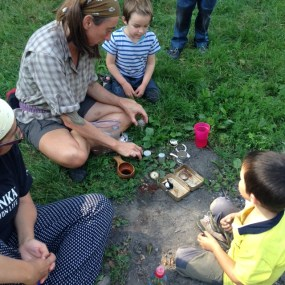 Susanne Williams mit Kindern