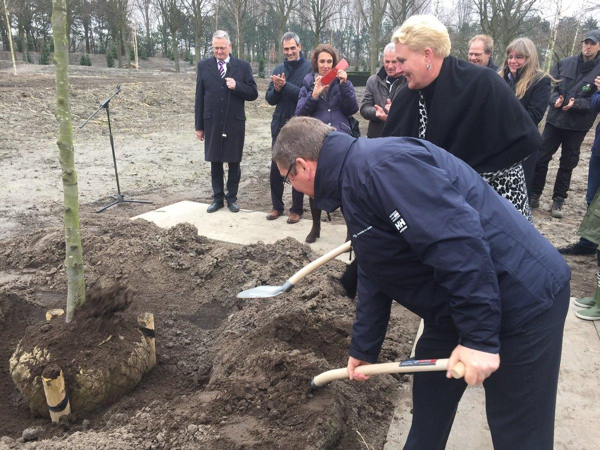 Protest tegen natuurbegraven in de kwetsbare Bonnenpolder