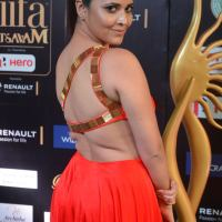 anchor anasuya hot  at iifa awards 2017