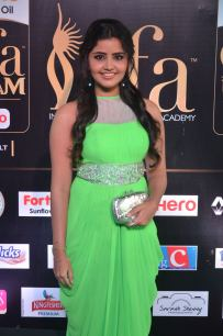 anupama parameswaran hot at iifa 2017DSC_01670032