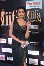 bhavya sri hot at iifa awards 2017 DSC_14710525