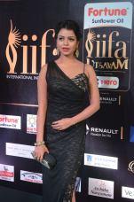bhavya sri hot at iifa awards 2017 DSC_14940548