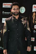 celebrities at iifa awards 2017 HAR_54590023