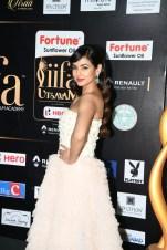 celebrities at iifa awards 2017 MGK_14720005