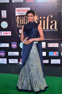 ishitha vyas hot at iifa awards 2017DSC_00670015