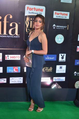 latha hegde hot at iifa 20176
