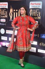 mannara chopra hot at iifa awards 2017 DSC_18600911