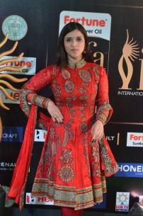 mannara chopra hot at iifa awards 2017 DSC_19100961