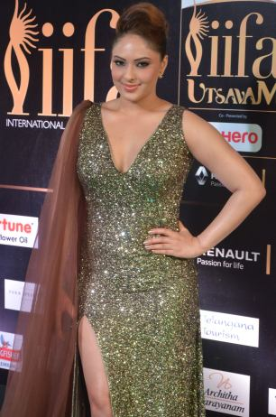 nikesha patel hot at iifa awards 201717