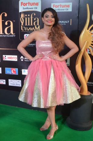 nikita narayan hot at iifa 201713