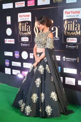 pragya jaiswal hot at iifa awards 2017DSC_90890001