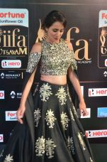 pragya jaiswal hot at iifa awards 2017DSC_91920104