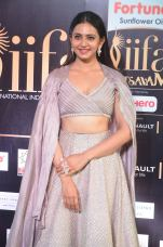 rakul preet singjh hot at iifa awards 2017DSC_90440010