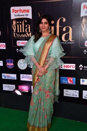 samantha hot at iifa awards 2017HAR_60360004